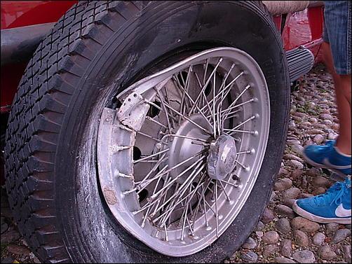 Gran Premio Storico delle Mura a Bergamo!-incidente-8c-04-jpg